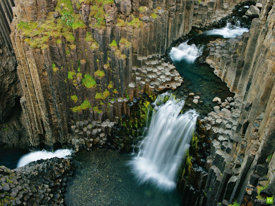 Чудесный водопад Литланесфосс в Исландии (10 фото)