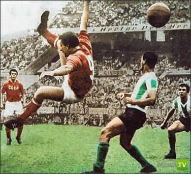 Про то, как советский футболист убил вратаря-обезьяну...