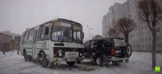 Получил ПАЗом в бок... ДТП в Комсомольске-на-Амуре