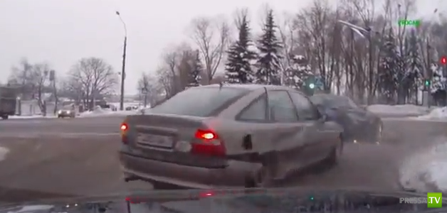 Водитель купе не пропустил Opel Vectra... ДТП на перекрестке в Минске