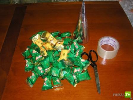 Елка из конфет своими руками (7 фото)