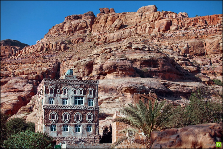 Дар аль Хайяр - замок, построенный на скале (Йемен) (18 фото)