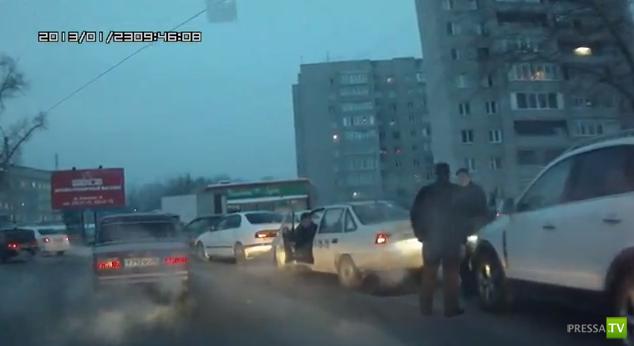 Разборки на дороге в Красноярске...