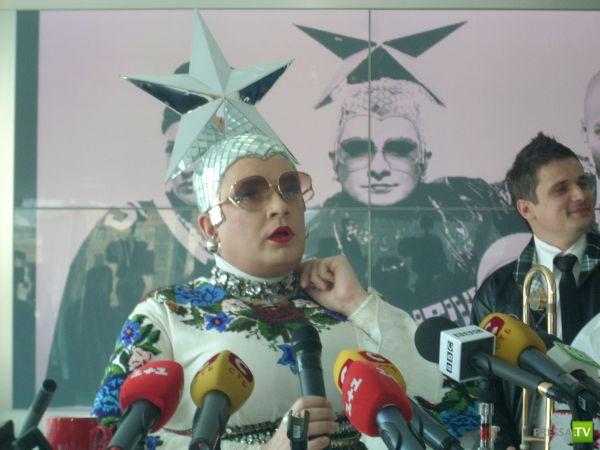Верка Сердючка купила Роллс-Ройс Фредди Меркьюри (фото + 2 видео)