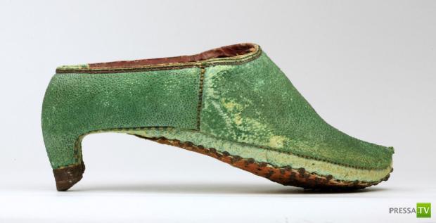 История появления туфель на высоких каблуках... (3 фото)