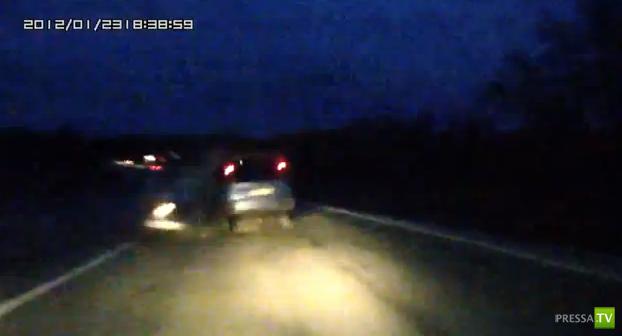 Пьяный водитель на ВАЗ 21112 выехал на встречку и совершил лобовое столкновение с Тойота Функарго... ДТП на трассе Новороссийск-Краснодар
