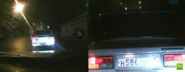 Вооруженное нападение на сотрудников ДПС в Нальчике... Один полицейский убит, другой - ранен. Жесть!!!