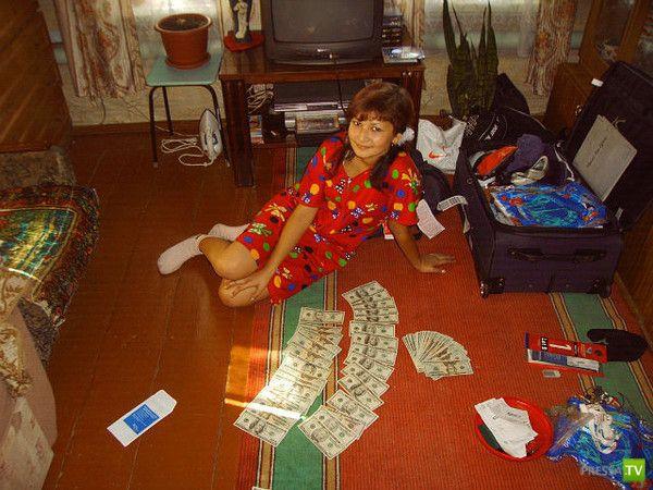 Любители денег и ковров из социальных сетей (17 фото)