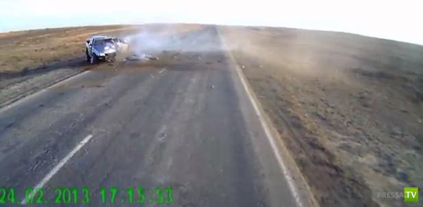 Шесть человек погибли! Жесть!!! Лобовое столкновение «ВАЗ-21099» и «Mitsubishi L200» в Астраханской области