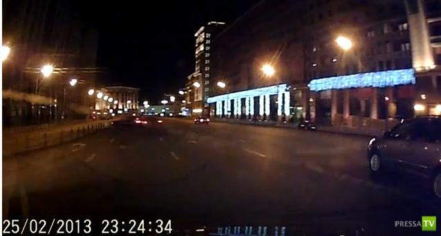 BMW  занесло на повороте и влетело в Buick Roadmaster... Охотный ряд, Москва
