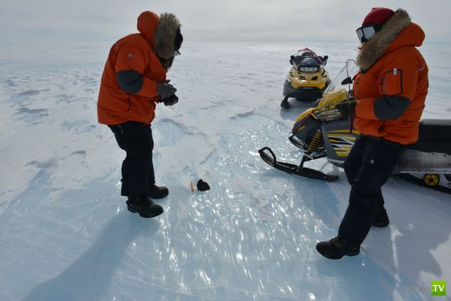 """Исследователи антарктической станции """"Принцесса Елизавета"""" нашли самый большой осколок метеорита - 18 кг (6 фото)"""