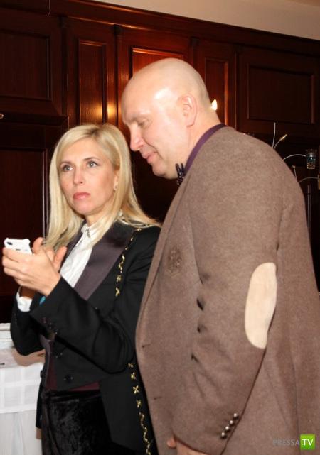 Алена Свиридова, на юбилее Вячеслава Зайцева, удивила своим нарядом (6 фото)