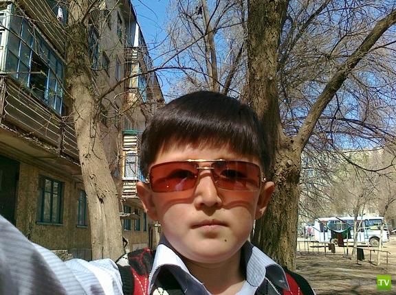 Парень в 24 года выглядит как 10-летний подросток (3 фото)