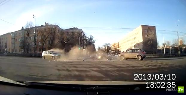 Оба хороши... Столкновение на перекрестке Кирова-50 лет ВЛКСМ в Подольске...