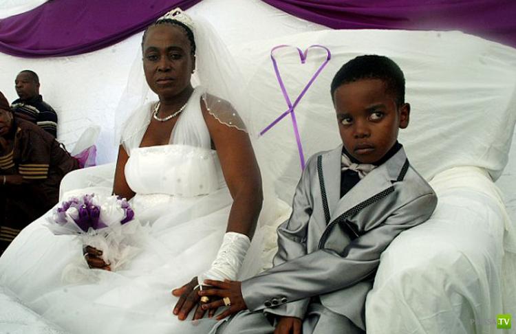 8-летний школьник из ЮАР женился на 61-летней женщине (7 фото)