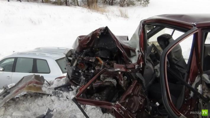 Три человека погибли... Жесть!!! Страшное ДТП на трассе Чистополь-Нижнекамск, Татарстан