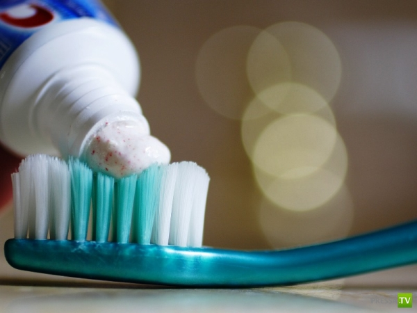 Альтернативное использование зубной пасты (14 фото)