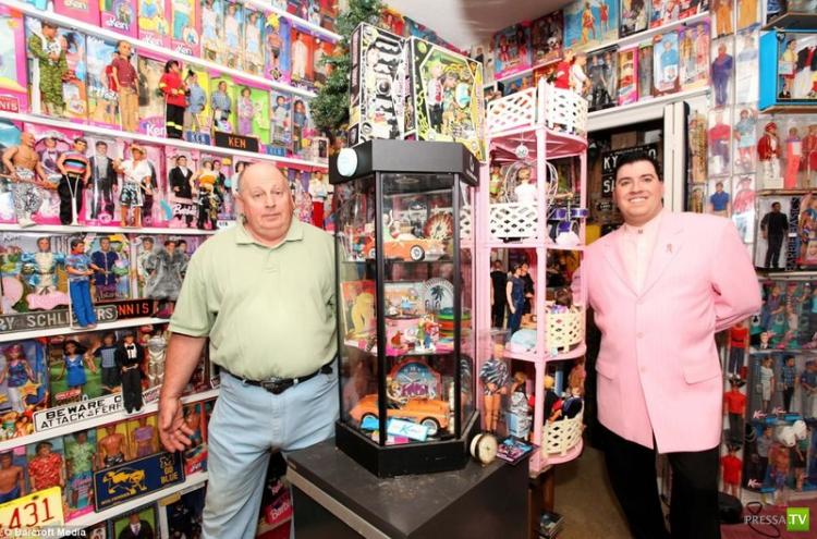 41-летний Стенли Колорайт собрал крупнейшую коллекцию Барби (11 фото + видео)