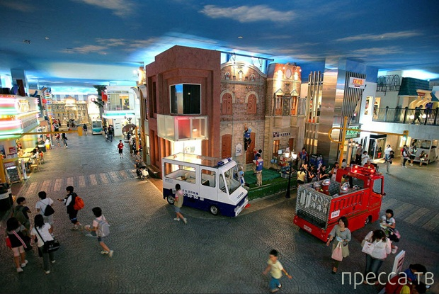 Необычный город - город детей KidZania (10 фото)