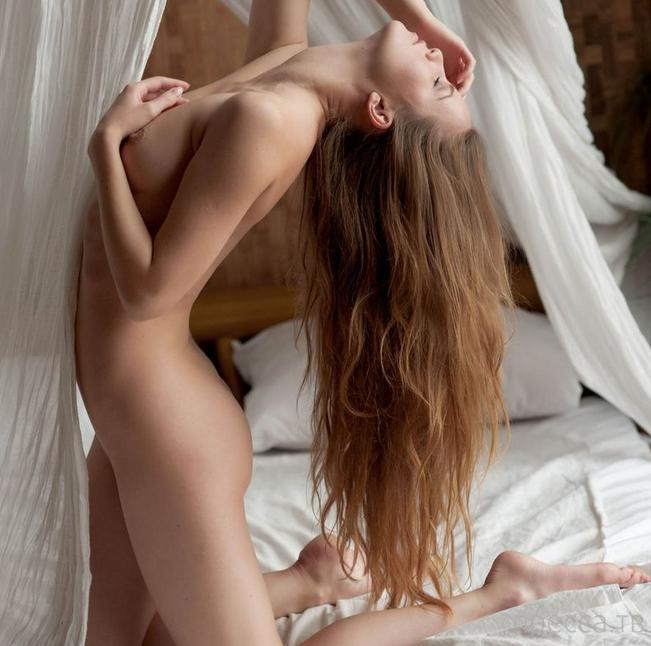 Красивые и обнаженные  девушки (100 фото)