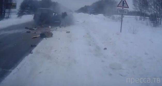 Столкновение УАЗ-3309 и ВАЗ-2110 в Нижегородской области... Жесть!!!