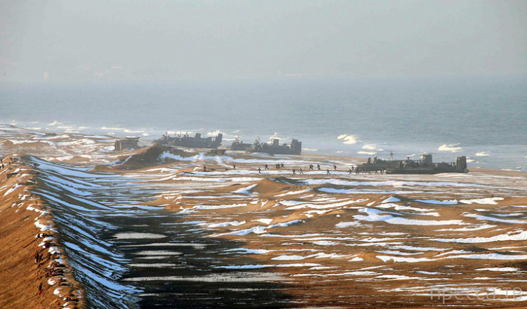 Северная Корея отфотошопила свой флот (5 фото)