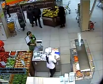Няня, избившая младенца попалась на краже (видео)