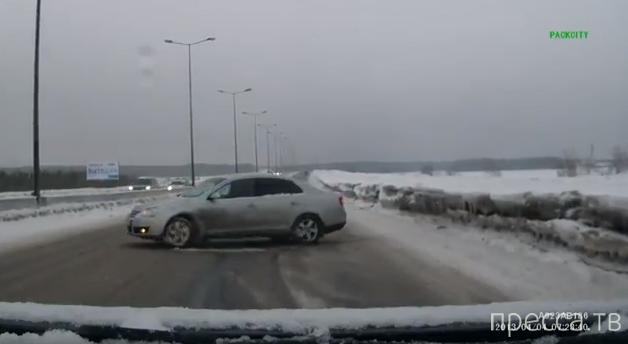 Перегазанул на снежной каше... ДТП в Сургуте