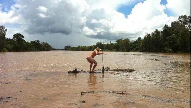 Австралиец ради двух ящиков бурбона Jack Daniels поплыл к крокодилам...
