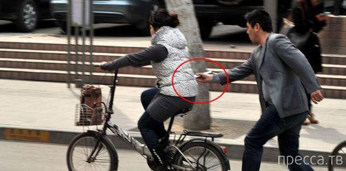 Изобретательные китайские воры-карманники (4 фото)