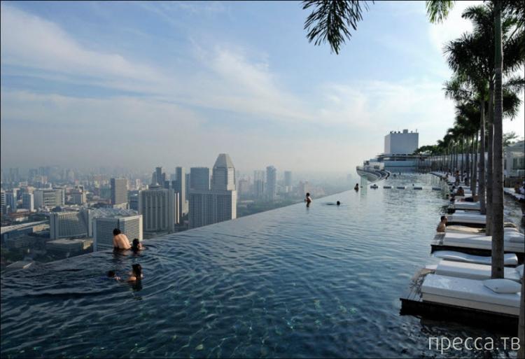 Самые красивые и необычные гостиницы мира (12 фото)