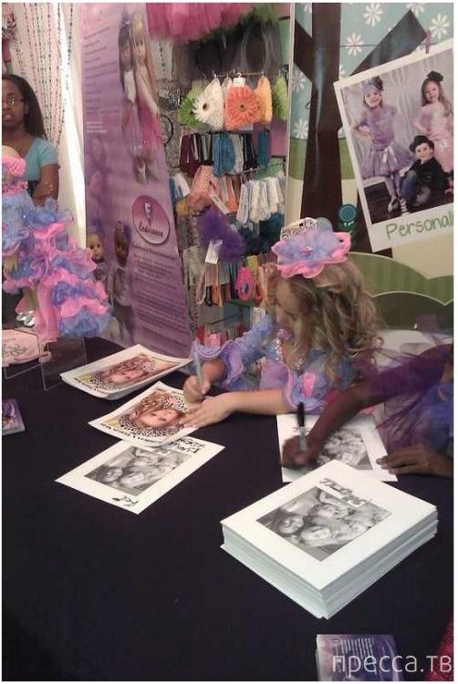 Изабелла Барретт - шестилетняя миллионерша (4 фото)