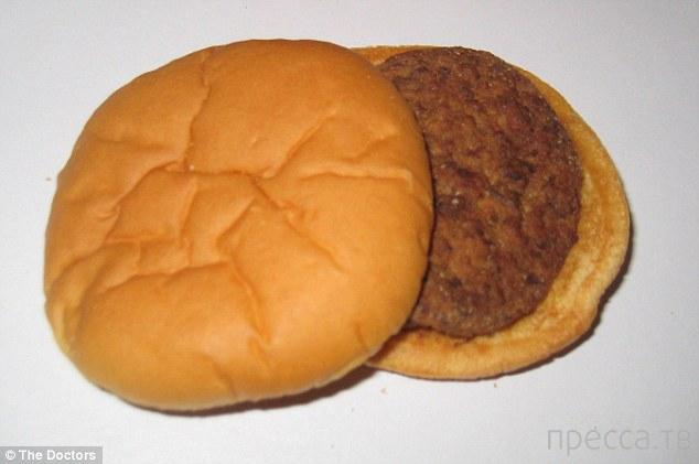 За 14 лет гамбургер совсем не изменился (4 фото)