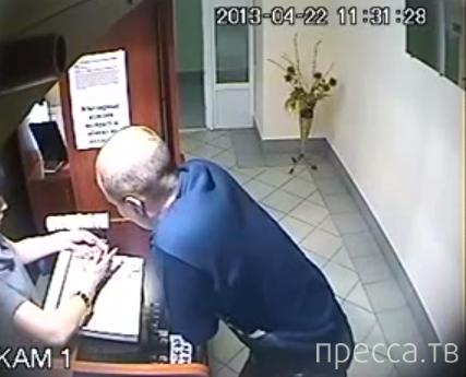 """Дерзкая кража в ювелирном отделе ТЦ """"БАМБУК"""" г. Курахово"""