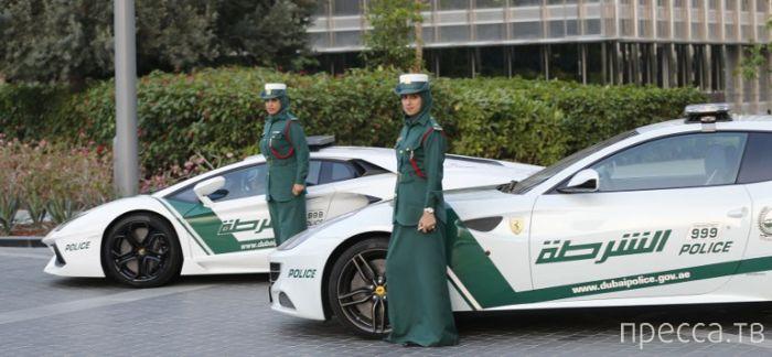 Самые быстрые женщины-полицейские (8 фото)