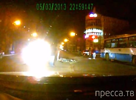 Сбили насмерть ползущего по дороге человека... ДТП на ул. Ленина в Хабаровске