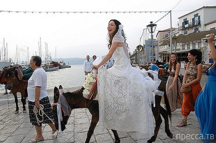 Необычные свадебные традиции разных народов (11 фото)