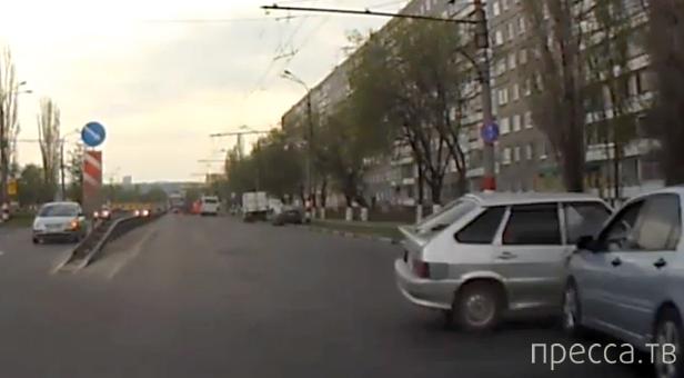 Водятел  на ВАЗе решил, что он самый быстрый и резвый... ДТП в Нижнем Новгороде