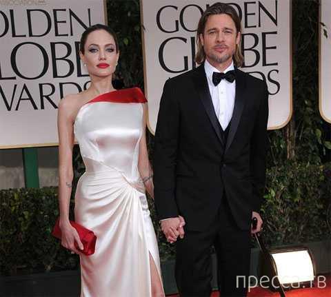 Анджелина Джоли удалила себе грудь ... (4 фото)