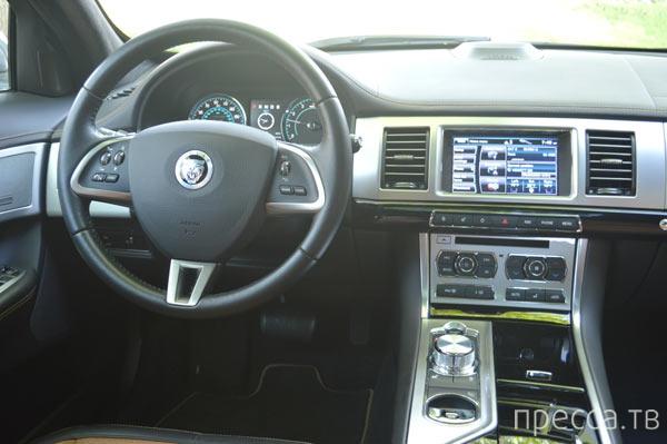 Новинка 2013 - Jaguar XF 2.0T (11 фото)
