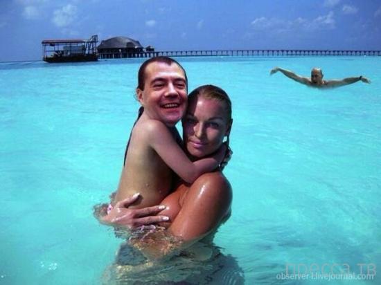 Анастасия Волочкова с Путиным на руках (2 фото)