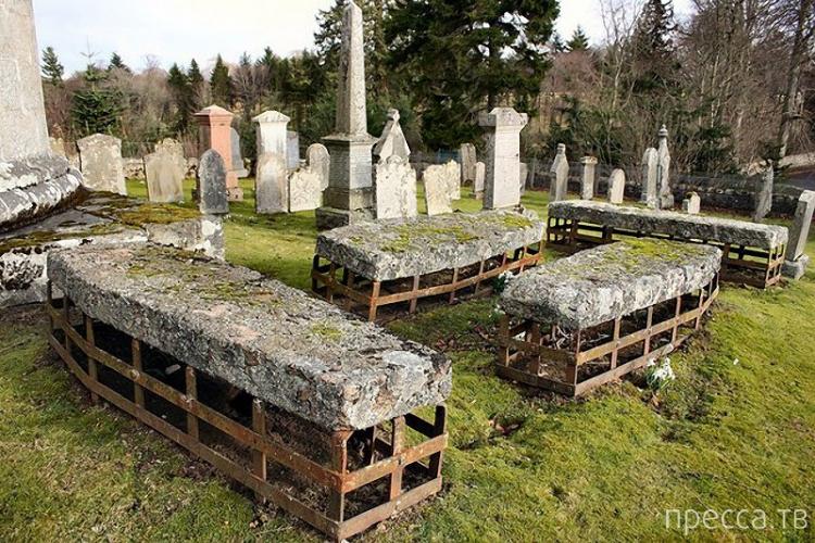 Британские могилы-сейфы (9 фото)