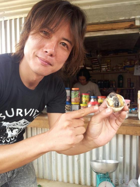 Неприятный опыт: Вареные утиные яйца по-филиппински (8 фото)