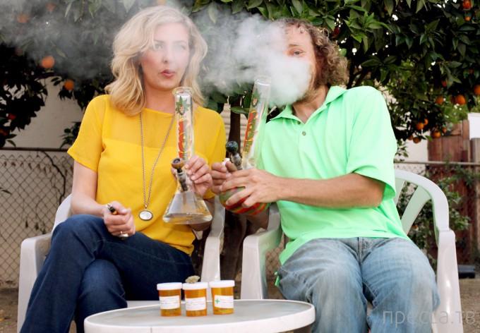 Сумашедшие мамаши из Калифорнии и марихуана (9 фото + видео)