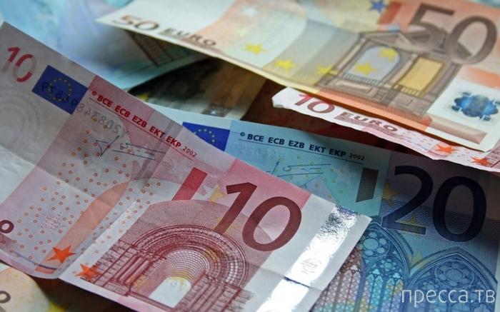 Люди, добровольно отказавшиеся от больших денег (8 фото)