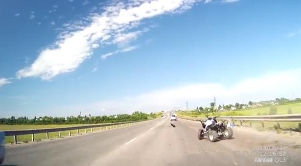 Квадроцикл влетел в отбойник... ДТП в Тульской области