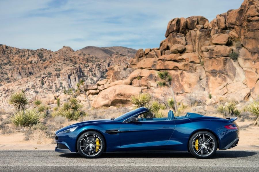 Официальное знакомство с кабриолетом Aston Martin Vanquish Volante (7 фото)