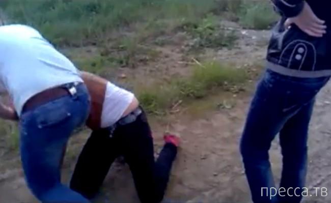 Жестокое избиение омской школьницы сверстниками...