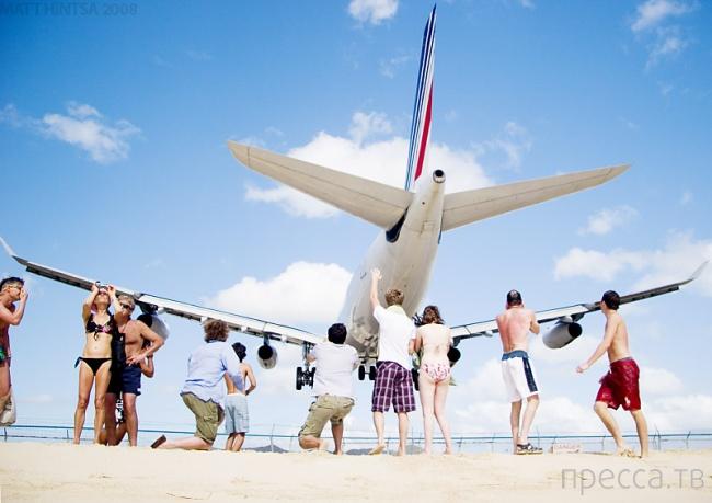 Топ 15: Самые необычные аэропорты мира (22 фото)