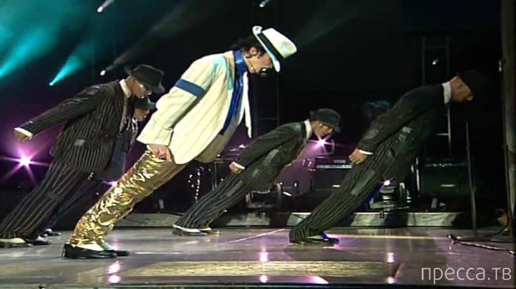 Необычные антигравитационные ботинки Майкла Джексона (2 фото + видео)